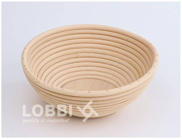 Wooden rattan form for rising bread with a wooden bottom - roun